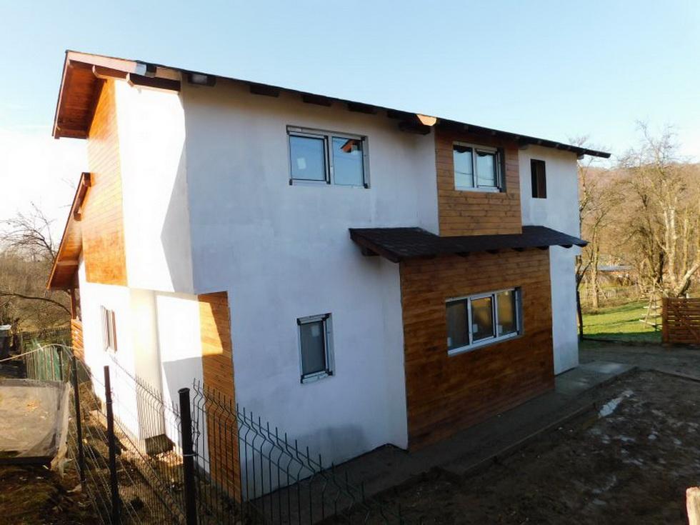 casa ecologica pe structura din lemn