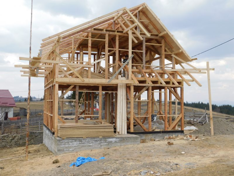 casa din lemn TIHUŢA