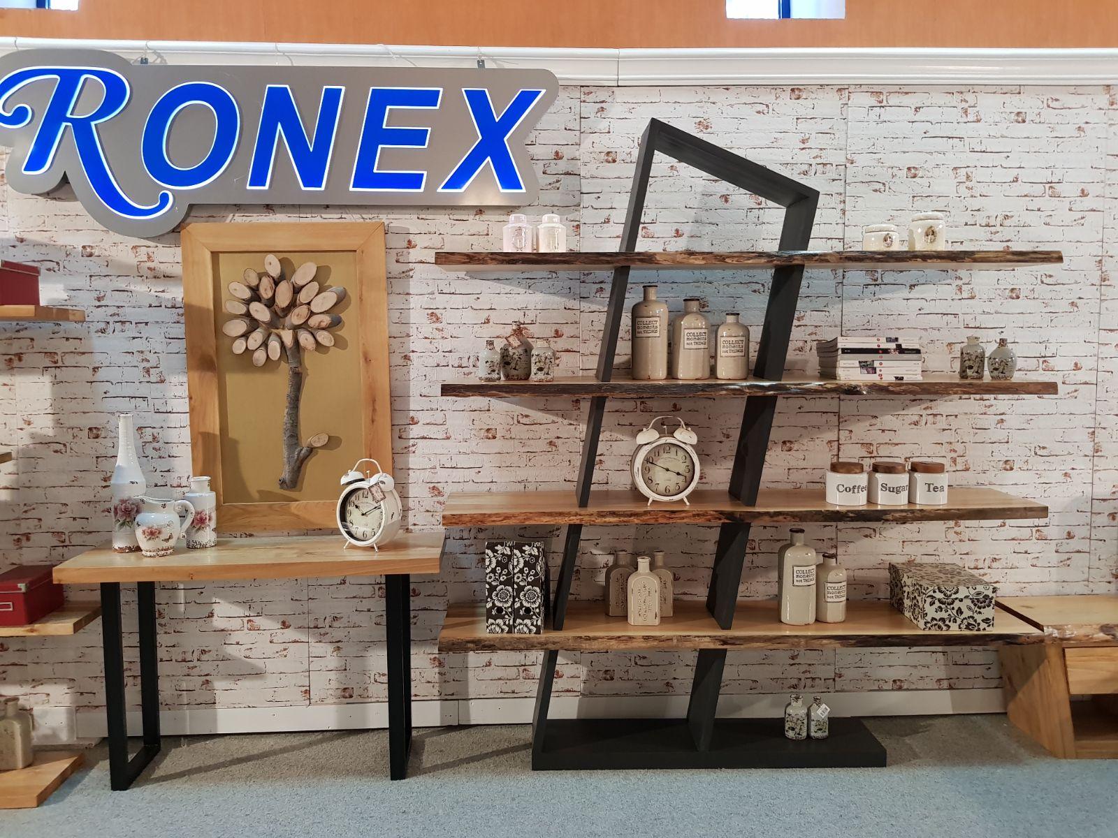 mobila din lemn masiv RONEX