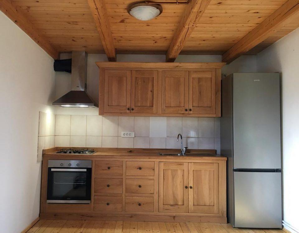 mobila bucatarie din lemn masiv