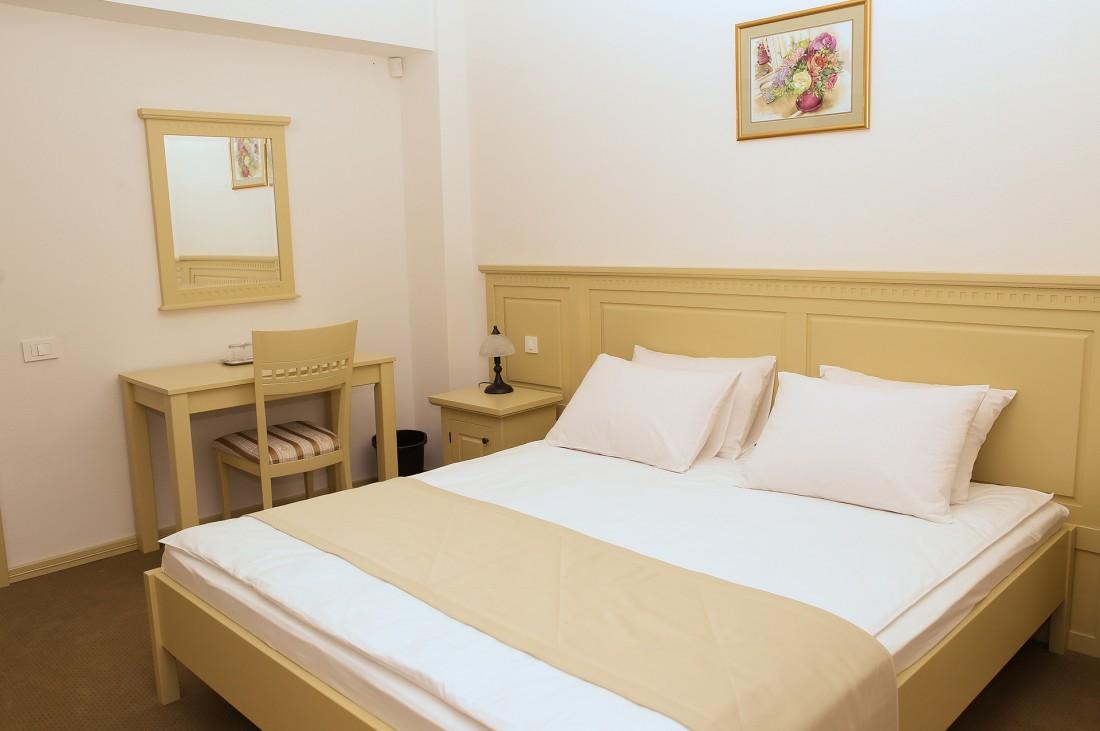 cazare hotel Bohemia Bacau
